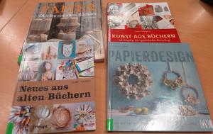 """Unsere vorrätigen Bücher im Bürgerhaus zum Thema """"Basteln mit alten Büchern"""""""