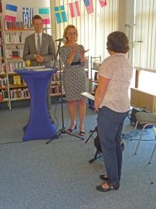 Bürgermeister Christoph Schultz, Michaele Gincel-Reinhardt, Anne Heimansberg-Schmidt (v.l.n.r.)P1070780